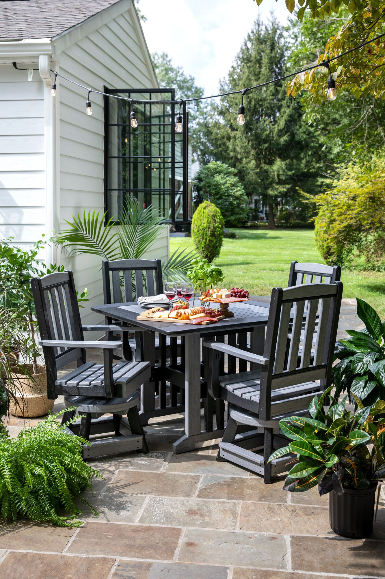 English-Garden-Swivel-Chairs-and-Table